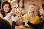 Frauen trinken mehr Wein als Männer – und vieles über den Weinkonsum: Weinkundenanalyse 2018/19 Deutschland der Hochschule Geisenheim