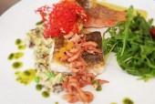 Siel59 in Ockholm – Restaurant und Hotel fast von der Nordsee umgeben. Schöner Genießertipp: 3erlei vom Fisch