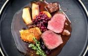 Hirschrücken – wie gemacht zu einem kräftigen Rotwein - Rezept von Bernhard's Restaurant in Oberaudorf