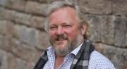 Erfolgreicher eigener Kopf, macht ausgezeichnete Bio-Weine: Hartmann Dippon auf Schlossgut Hohenbeilstein. Foto: Werner Kuhnle