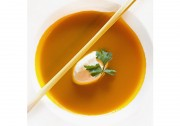 Fruchtig-würzig für den Frühling: Karotten Ingwer Suppe