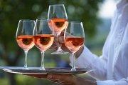 Sommerzeit ist Rosé-Zeit - immer mehr Weintrinker weltweit kommen auf den Geschmack.
