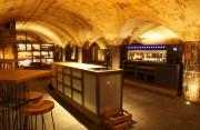 """Neue """"wineBANK"""" in Köln - Weinbegeisterte können hier stilvoll ihre Weine lagern und sich treffen"""