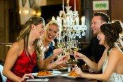 Das fröhliche Wein-Spiel