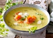 Kartoffel-Buttermilchsuppe mit geräuchertem Lachs