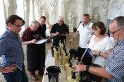 Ein Verkosterteam rund um den Weinexperten Rudolf Knoll (2.v.l.) kürte die besten deutschen Riesling Spätlesen