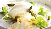 Pappardelle mit Spargel und Speck - darüber Käseschaumsauce