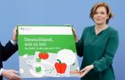 Deutschland, wie es isst: Unsere Vorlieben. Die Bundesmisterin für Ernährung und Landwirtschaft, Julia Klöckner, stellt den Ernährungsreport 2021 vor: Bürgerbefragung und der Nutri-Score