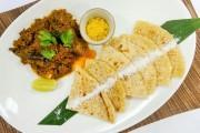 Maledivisches Hühnchen-Curry mit Kokos-Fladenbrot