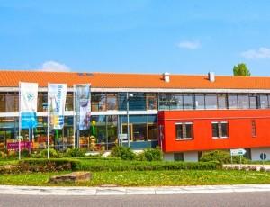 Winzerverein Meersburg, das Empfangsgebäude oben in der Kronenstraße nahe der B33 und B31.