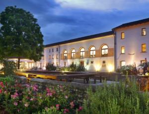 Das Haupthaus Bottega im Prosecco-Gebiet, das Prosecco, große Weine, Grappa und Liköre herstellt