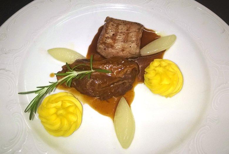 Duett vom Duroc-Schwein, Backe und Filet, Rezept vom Hotel Miramar auf Sylt. Foto: Hotel Miramar