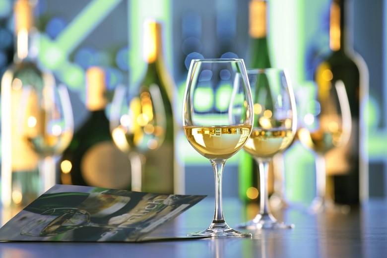 Deutsche trinken mehr Weißwein