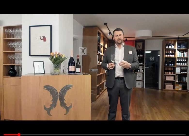 Felix Prinz zu Salm-Salm vom gleichnamigen Weingut bei der online-Weinprobe vom 3.4.2020 auf Youtube