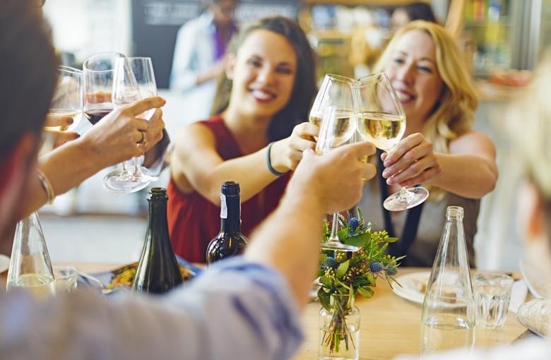 Weißweinkonsum überholt Rotwein - auch Roséwein gewinnt Marktanteil hinzu