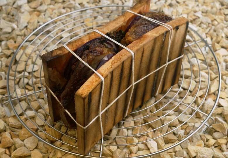 """Gegrillte """"Planken-Sandwich-Schweinenackensteaks"""""""
