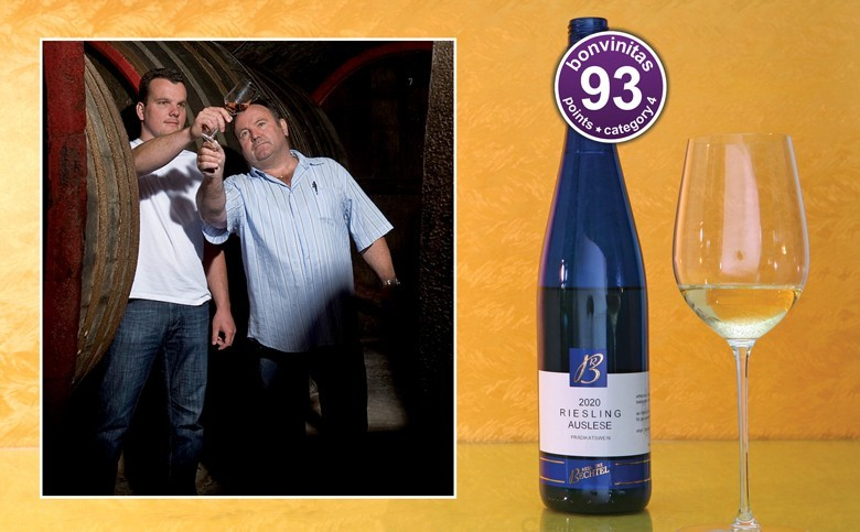 Hervorragende Riesling Auslese edelsüß, 93 Punkte: Weingut Residenz Bechtel aus der bonvinitas Weinbewertung vom 9.3.2021. Rainer und Manfred Bechtel (von links)