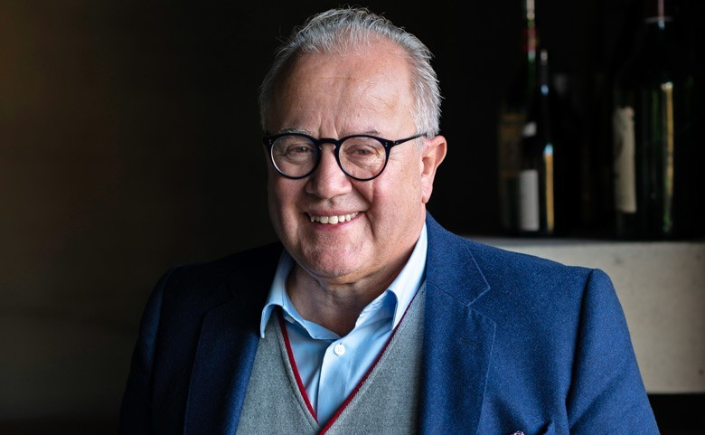 Fritz Keller: Genießer, Weinerzeuger, Gastronom, Fußball-Präsident - von einem Menschenfreund lernen – ein Interview; großartige nicht schwere Weine