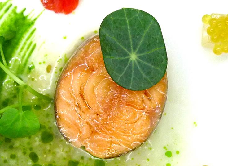 Mild geräucherter Saibling - Rezept von 2 Michelin-Sterne-Koch Nils Henkel