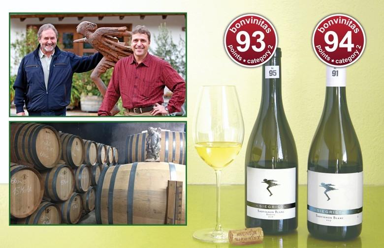 Zwei großartige Sauvignon Blanc des VDP Weinguts Siegrist. Oben links Thomas Siegrist und Schwiegersohn Bruno Schimpf. Unten der dortige Barriques-Keller.