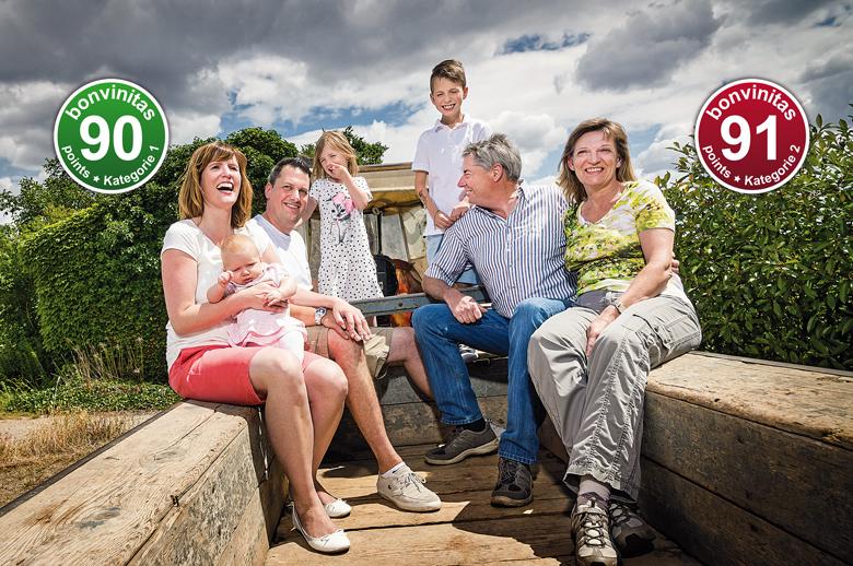 Weingut Finkenauer mit Heike und Wilfried Finkenauer (rechts) sowie Tochter Yvonne verheiratete Kleiker, engagierte Winzerin, und Schwiegersohn Stephan Kleiker (links) mit der nächsten Generation.
